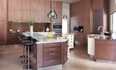 Vertical Grain luxury kitchen