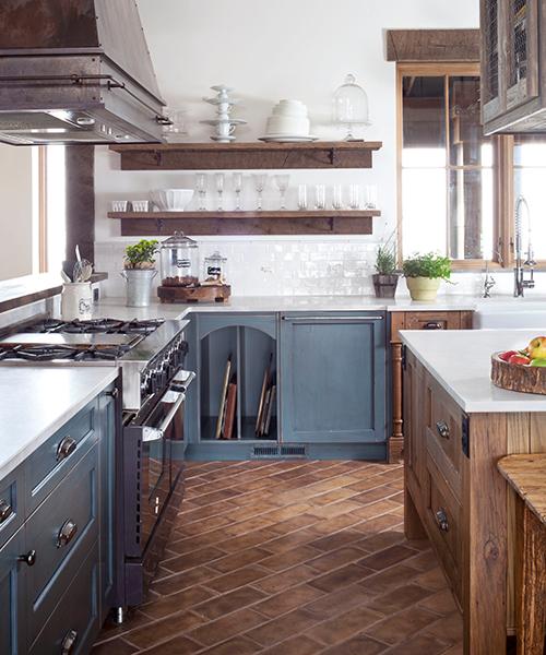 image of a farmhouse kitchen